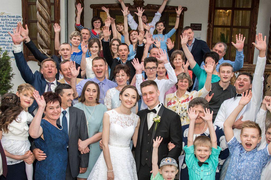 Fotowand für Hochzeitsfotos mit Gästen auf der Hochzeit